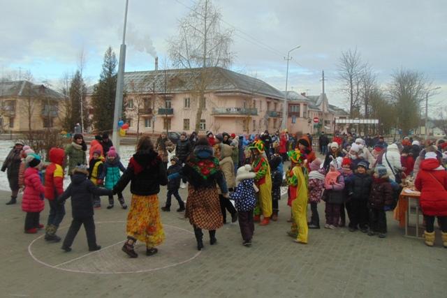 Первая школа устроила праздник для всего ГРЭСа.