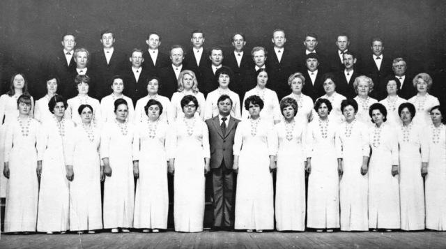 Поет народная хоровая капелла. 1972 г.